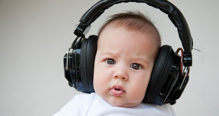 baby_wearing_headphones-770x410